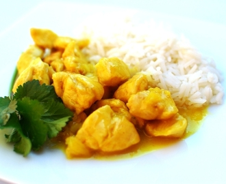 Pollo al curry con arroz basmati