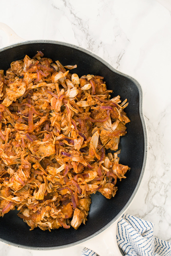 Vegan BBQ Pulled Pork (Jackfruit) with Spiralized Onions
