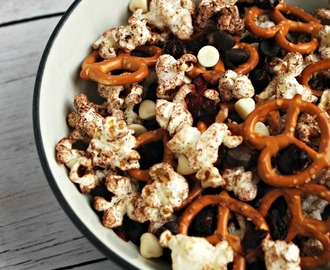 Allergen-Free School Lunches with Dark Chocolate Popcorn and Pretzel Snack Mix