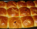 Roti Sobek Isi (Stuffed Dinner Rolls)
