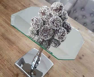 Recipe: Healthy & Vegan Chocolate Bliss Balls