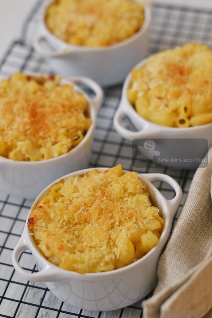 Baked Macaroni and Cheese (Alton Brown)