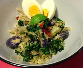 Chilli Cabbage with Kale and Egg