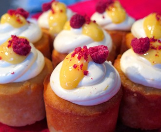 Little Lemon & Elderflower Cakes