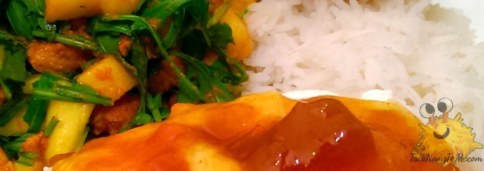 Rode curry vlees met mango en rucola