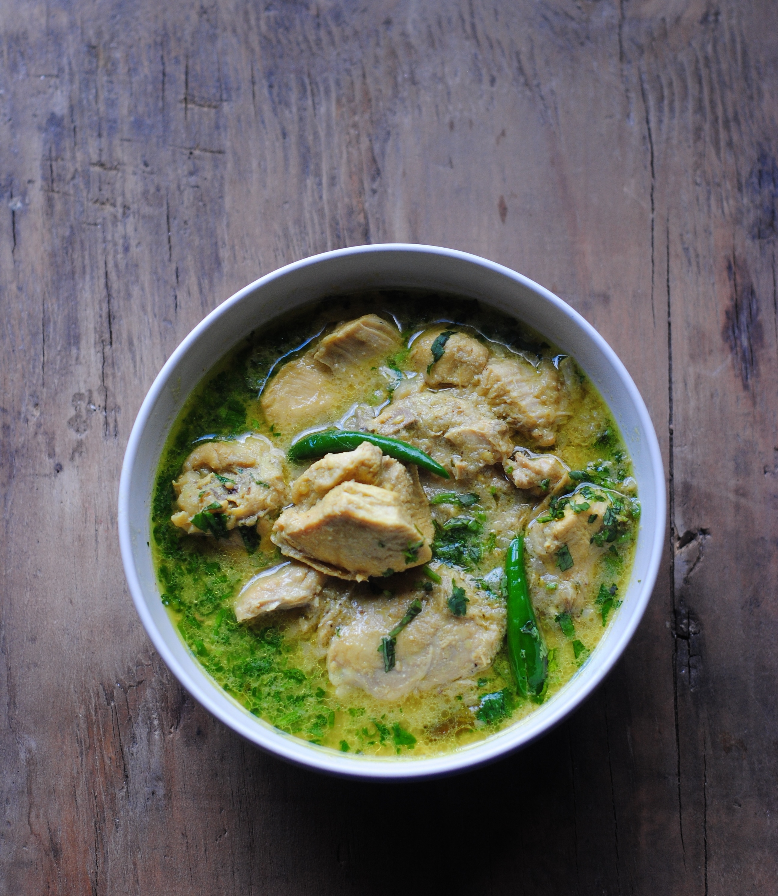 Qorma Lawand (braised Afghan chicken), the very best friend for your still-warm naan-e-Afghani