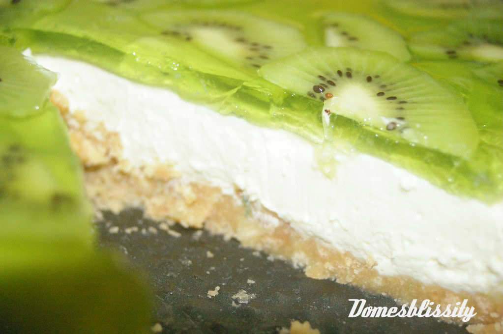 Bringing back dessert - No bake Kiwi & Lime Jelly Cheesecake