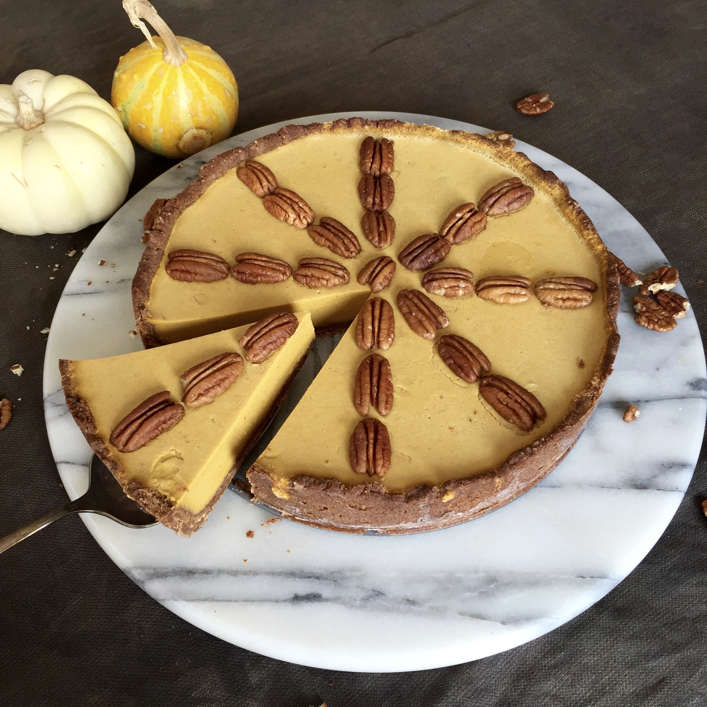 Paleo Pumpkin Cheesecake with Graham Cracker Crust (AIP and Vegan option/Low Fodmap)