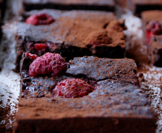 HEALTHY FRAMBOZEN BROWNIES