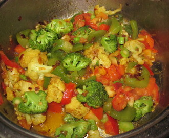 CAULIFLOWER BROCCOLI WITH BELLPEPPER