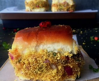 Dabeli | Kutchi Dabeli Recipe | Popular Gujarati Street Food