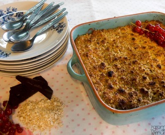 Crumble de Aveia, Frutas e Chocolate