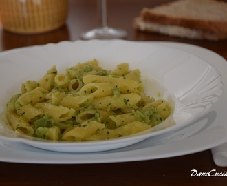 Pasta al pesto di broccolo romanesco