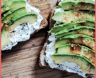 Energy-Boosting Breakfast: Cottage Cheese on Granary with Avocado