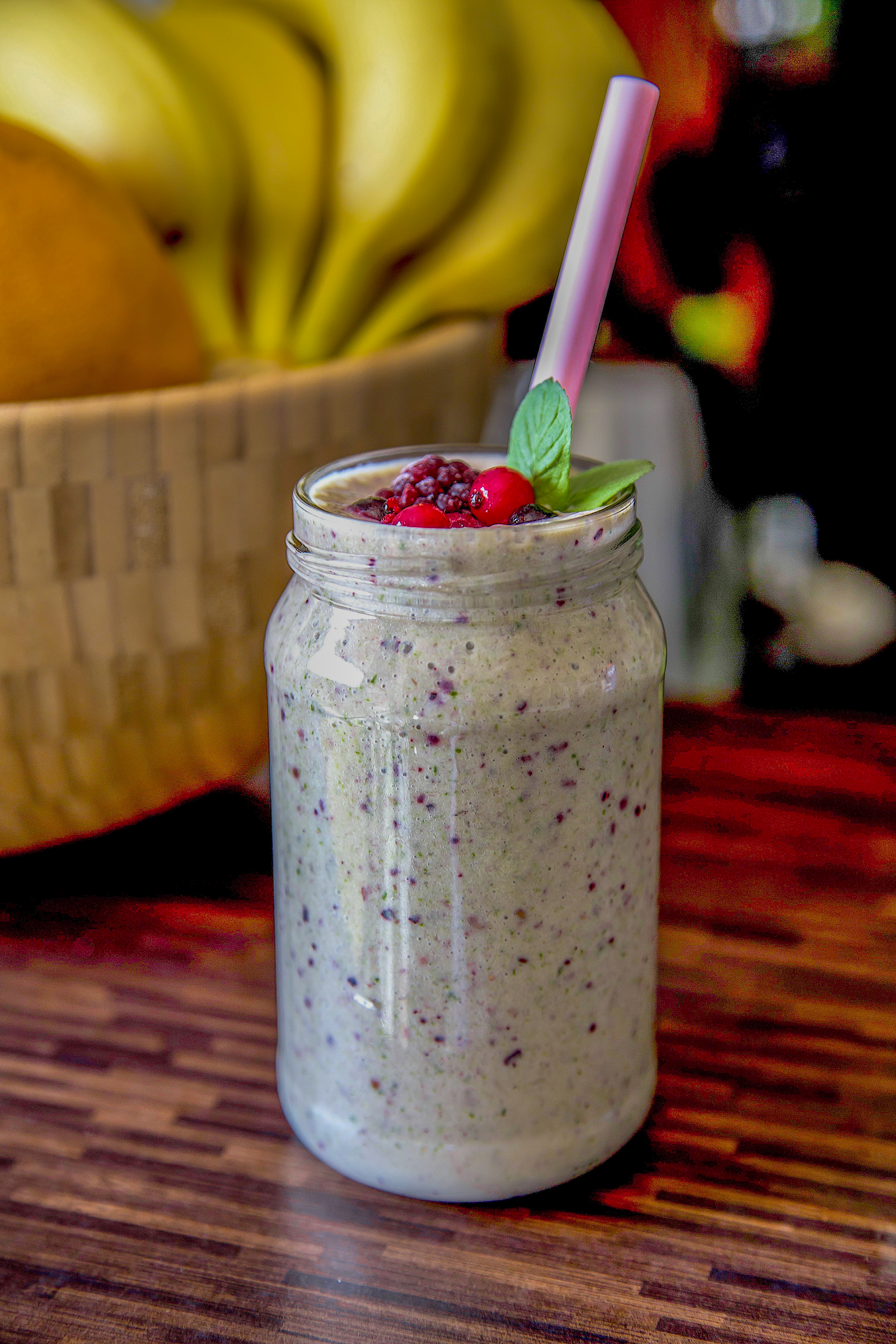 Healthy Smoothie Recipe: Pineapple – Banana – Dates Smoothie