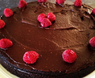 Chocolate Beetroot Cake (Paleo)
