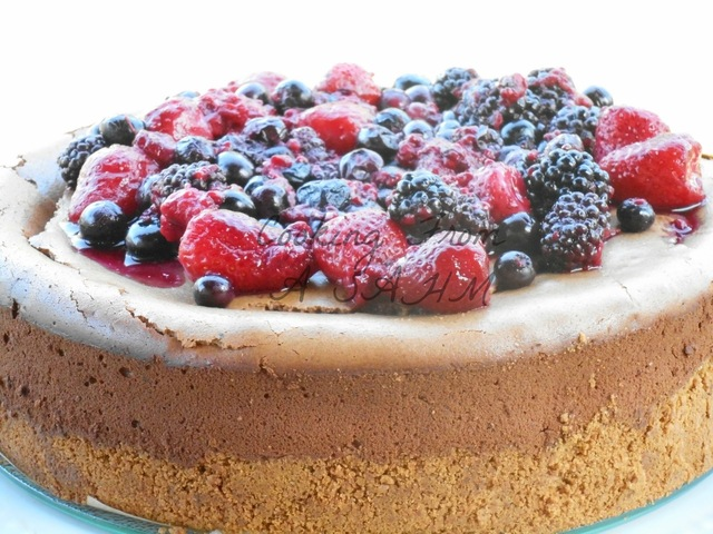 Dark Chocolate and Berry Cheesecake