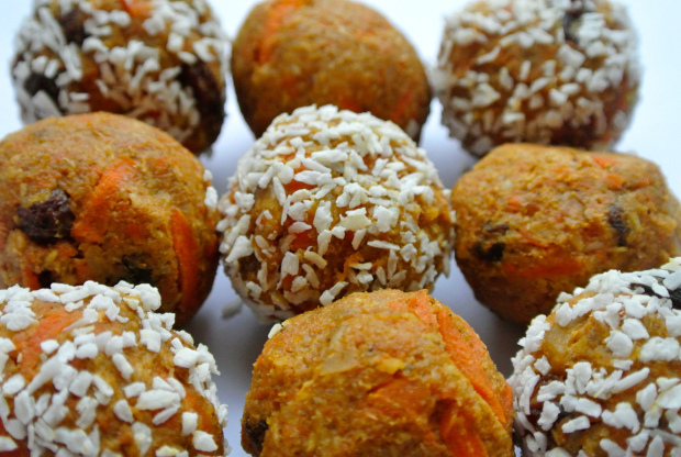 Carrot Cake Bliss Balls
