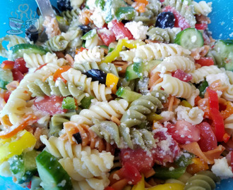 Greek Pasta Salad: Weight Watchers Friendly