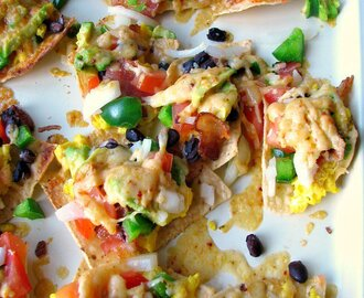 Cheesy Breakfast Nachos #BrunchWeek