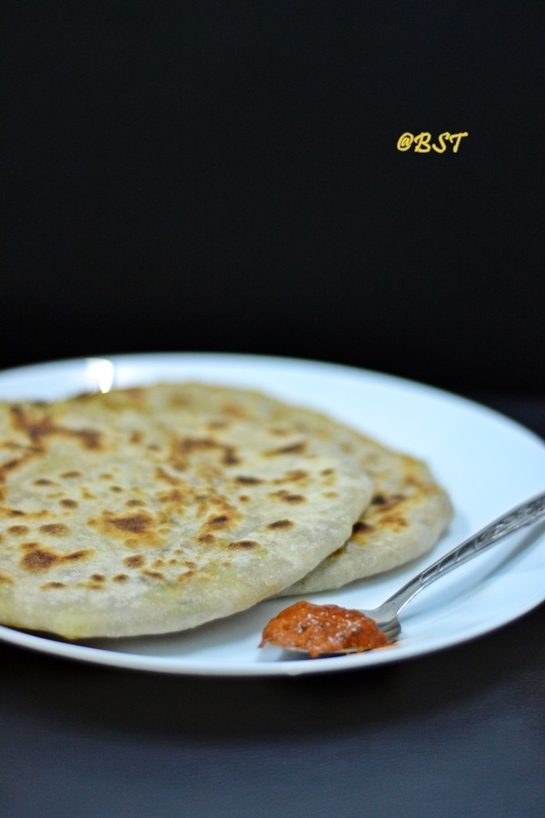Aloo Paratha ~ Potato Stuffed Flatbread