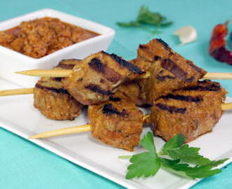 Pinchos Morunos (Spanish Pork Skewers) with Mojo Picon #SundaySupper