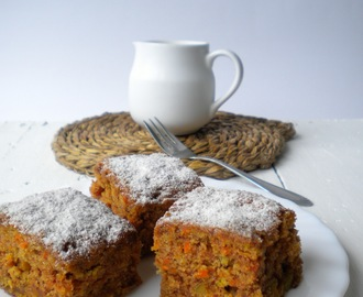 Bizcocho de zanahoria y frutos secos (Carrot and nuts cake)