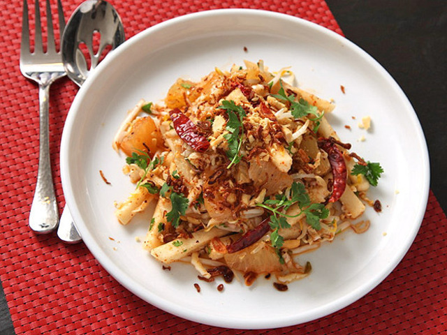 Jicama and Pomelo Salad With Spicy Thai Dressing (Vegan) Recipe