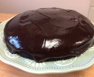 nigella's dark and sumptuous chocolate cake