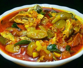Kerala Style Irumban Puli Meen Curry – Fish Curry with Bilimbi