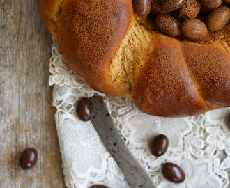 Regueifa doce da Páscoa / Sweet Easter Bread