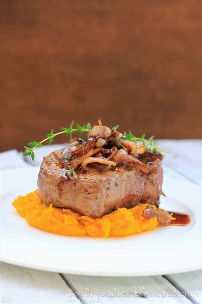 Recipe: Tenderloin Steak with Pumpkin Mash and Caramelised Onions