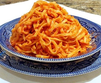 Linguine with Tomato Cream Sauce and Cheese