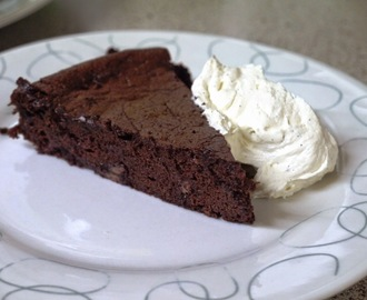 Double Chocolate Flourless Cake with Vanilla Cream