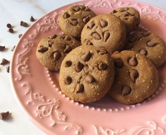 Cookies de amendoim e chocolate