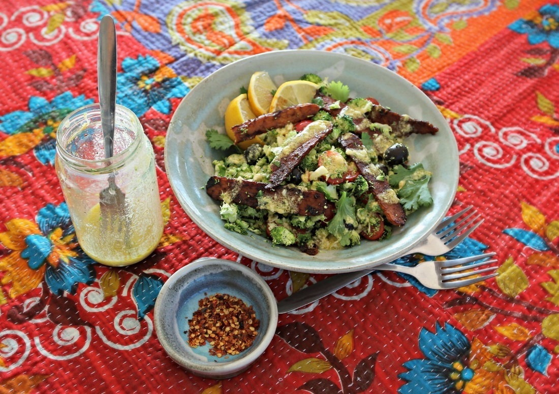 RAW BROCCOLI SALAD WITH SMOKEY TEMPEH 'BACON'