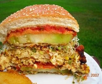 Chicken Burger with Fried Green Tomatoes