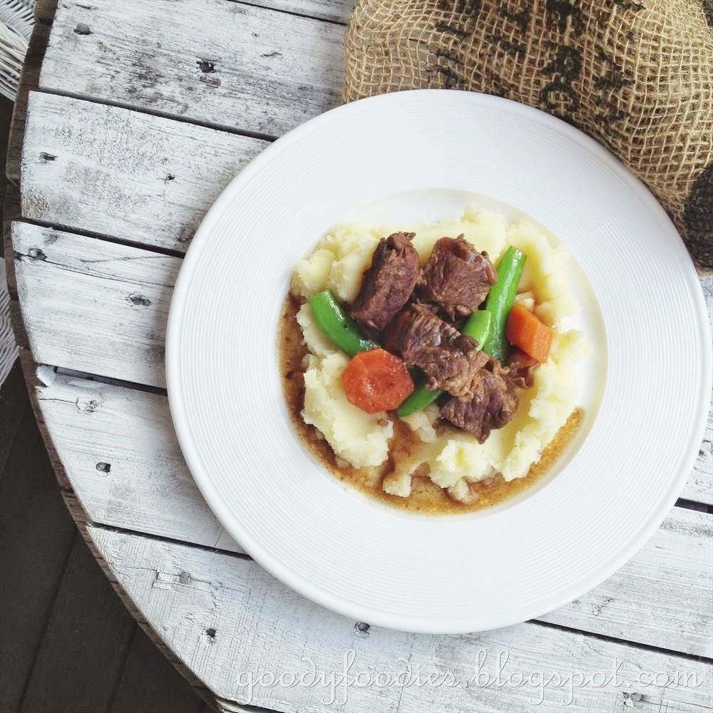 Recipe: Easy Beef Stew with Mashed Potatoes