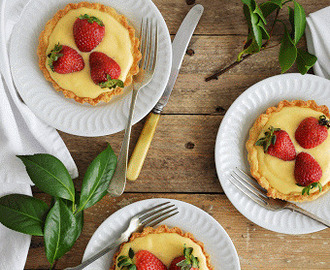 Strawberry Custard Tartelettes