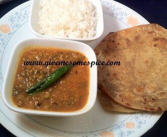 Mung beans, Plain rice and Triangle parathas