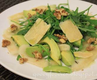 Recipe: Avocado, pear and rocket salad with Parmigiano Reggiano and honey dressing