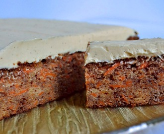 Carrot and banana cake with a lemon, vanilla and honey cheesecake frosting