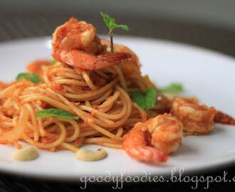 Recipe: Spaghetti with spicy prawn sambal (Raya Special)