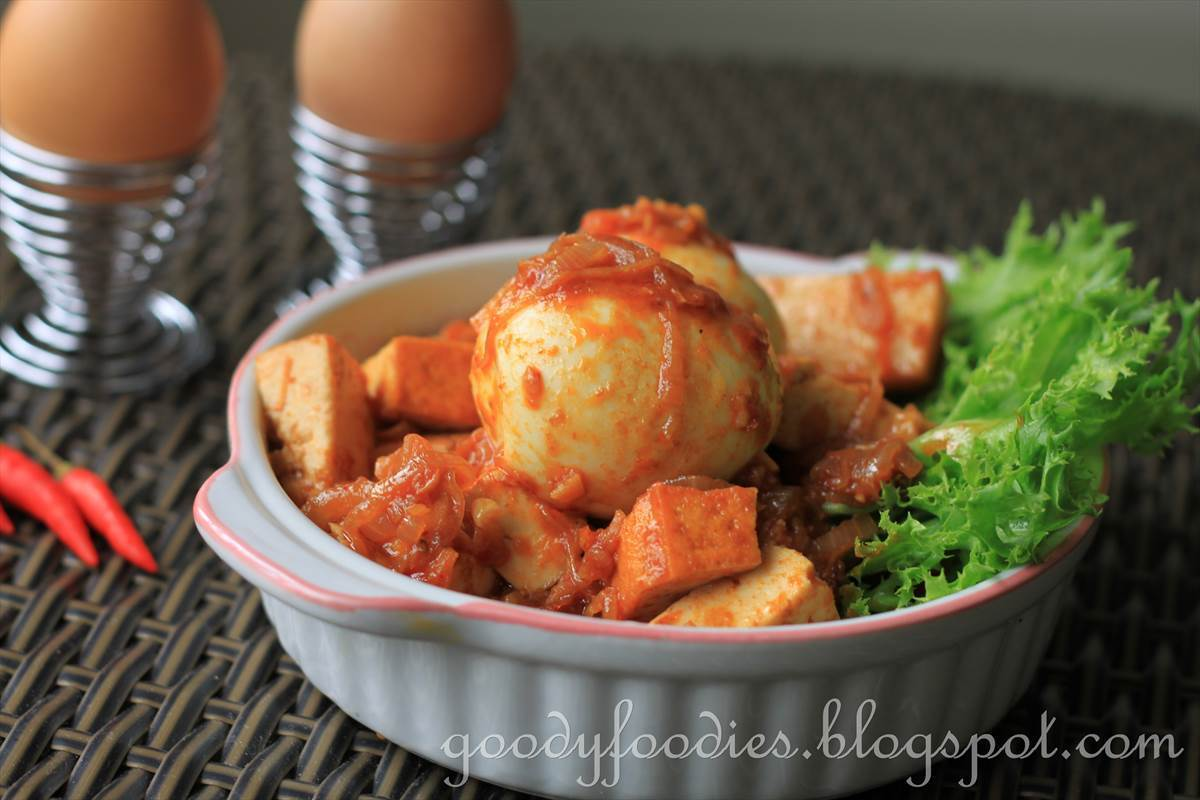 Recipe: Sambal telur tauhu (Egg sambal with fried tofu) (Raya special)