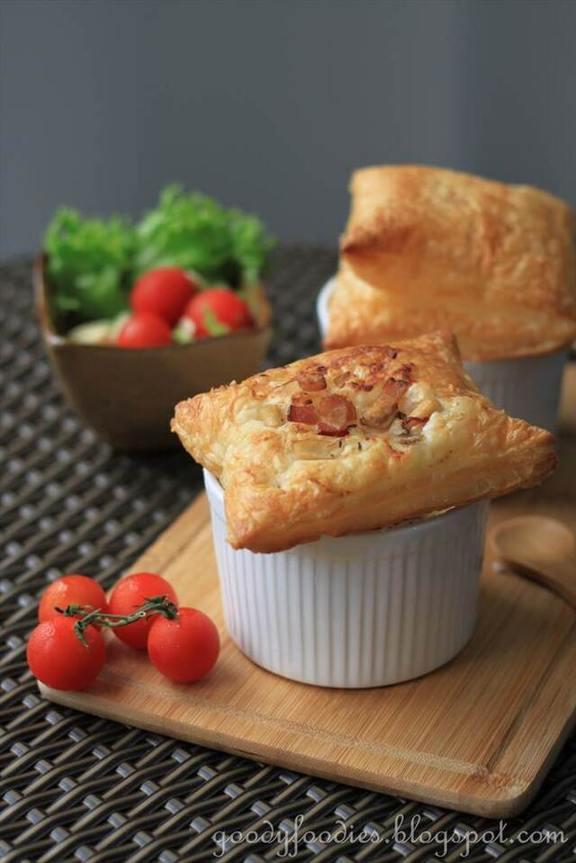 Recipe: Chicken, mushroom and bacon pie (Nigella Lawson)