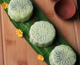 Recipe: Homemade Snowskin Mooncakes with Pandan Mung Bean Paste