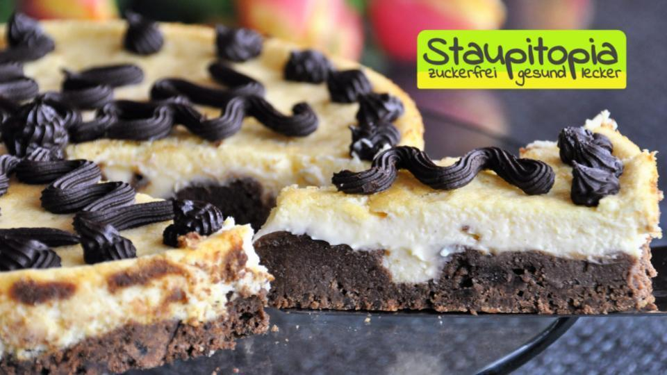Low Carb Brownie Cheesecake: 2 Lieblingskuchen in einem!