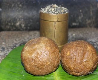 Ulundhu Kali (ulunthangali) / Foods for puberty in Girls- Urad Dal Balls (Tirunelveli Special Recipe)