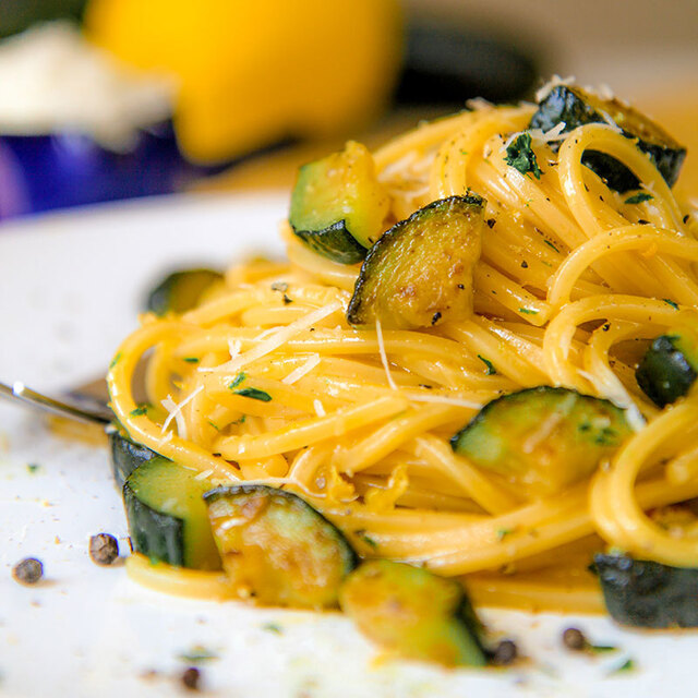 VEGETARIAN CARBONARA with zucchini