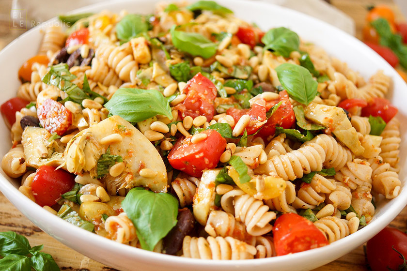 Caprese Pasta Salad with Artichokes and Olives